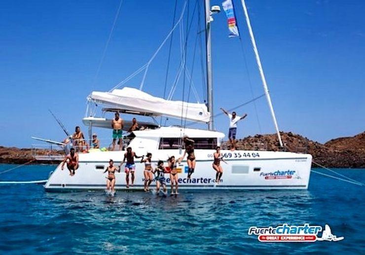 Corralejo catamaran sailing private trip