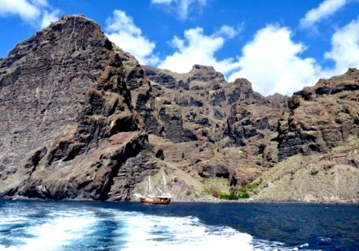 See Los Gigantes cliffs on water taxi