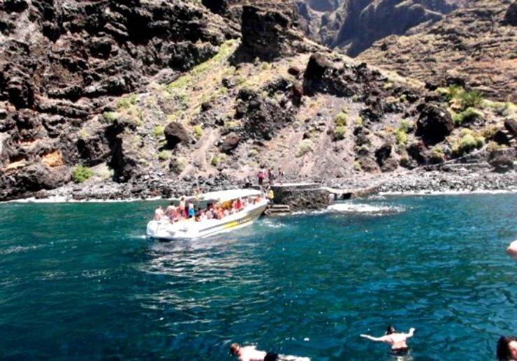 Water taxi Los Gigantes to Masca