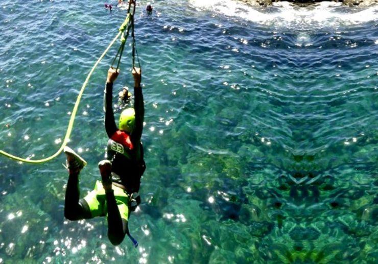 Coasteering Gran Canaria zip line