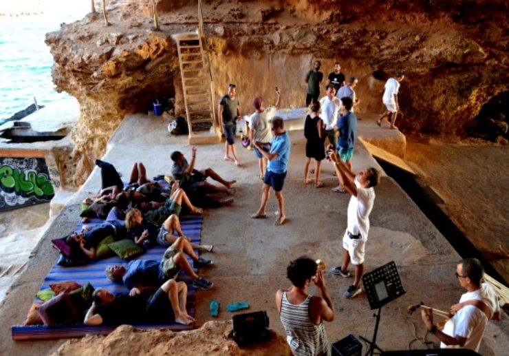 Jeep tour Ibiza cave chill out