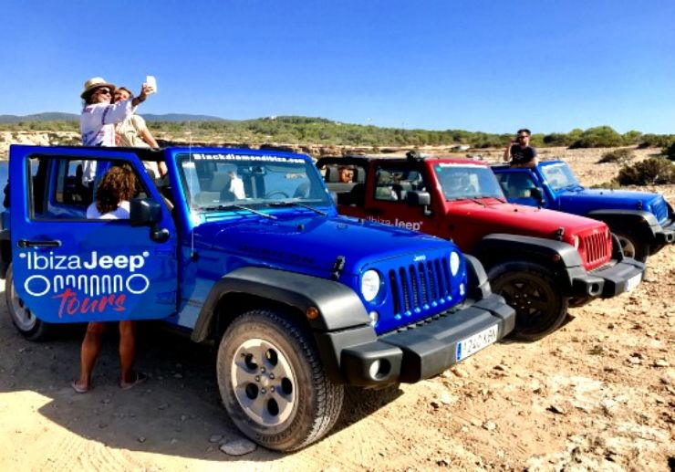 Jeep excursion Ibiza with sunset