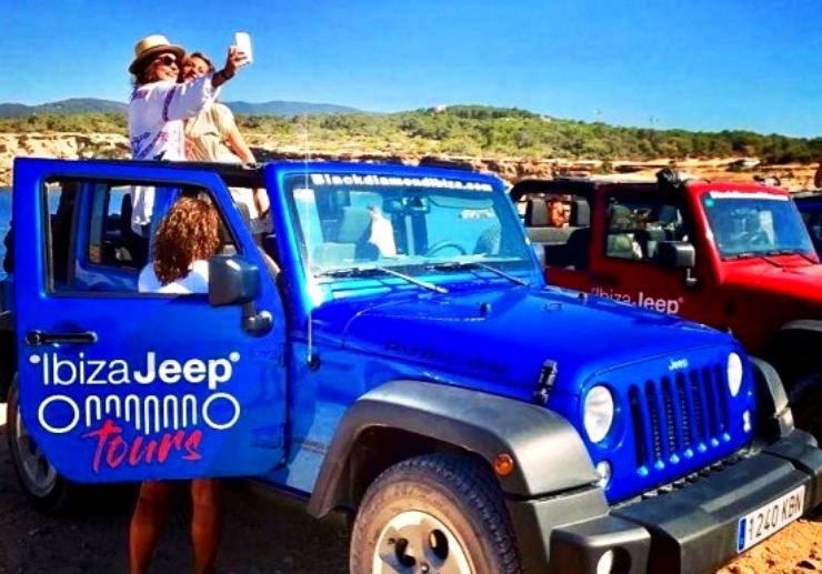 Ibiza jeep wrangler tour with firiends