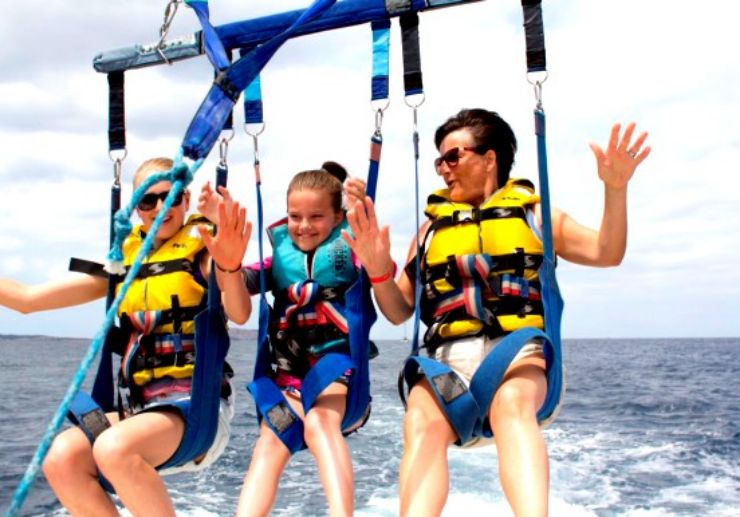 enjoy-parasailing-ibiza