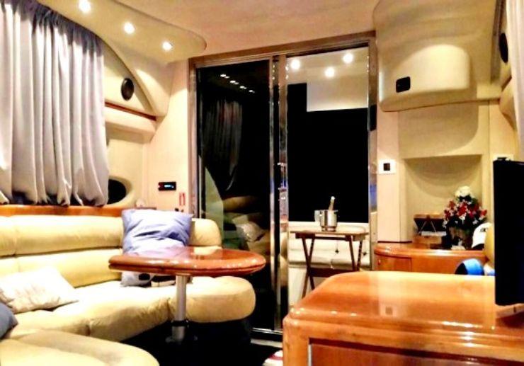 Poker yacht interior