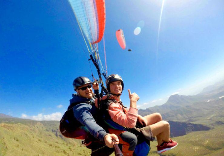Costa Adeje paragliding performance flight