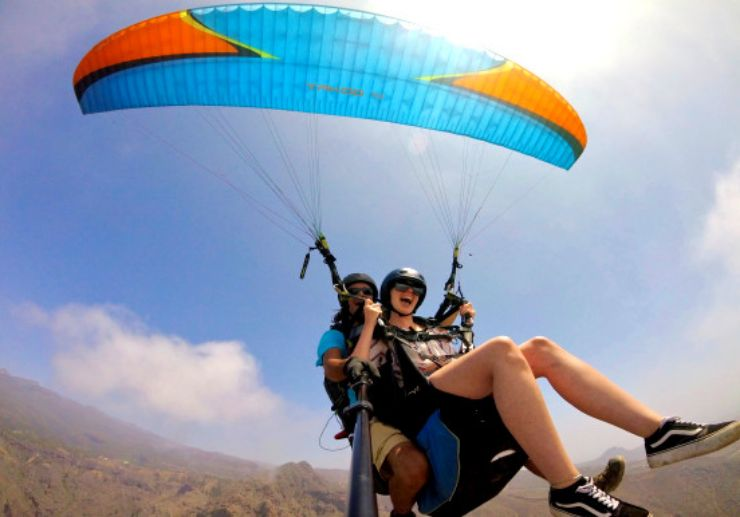 Fun and scenic paragliding in Tenerife