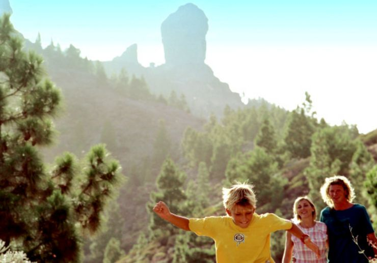Family trip view roque nublo in Gran Canaria