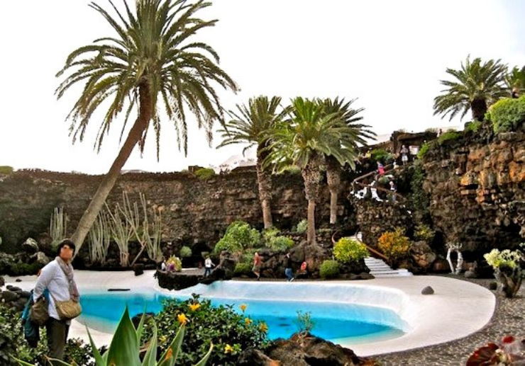 Jeep tour to visit Jameos Agua in Lanzarote