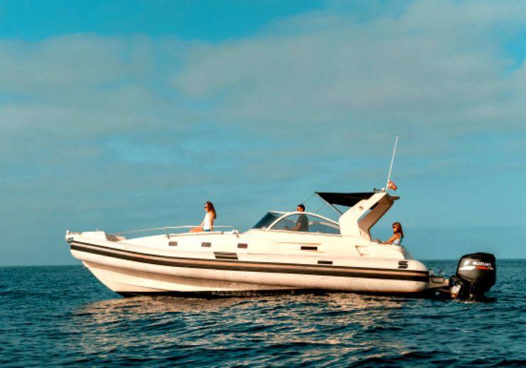 Explore the coast with private speedboat Tenerife