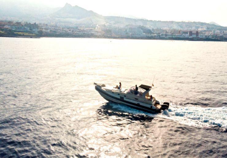 Luxury speedboat private charter in Tenerife