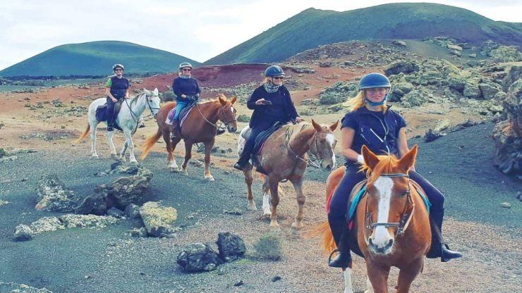 Scenic Lanzarote horse riding excursion Tinasoria route