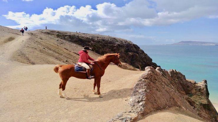 Horse riding Lazarote ajache papagayo