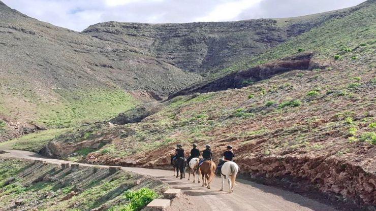 Lanzarote horse riding tour Caleta Famara route
