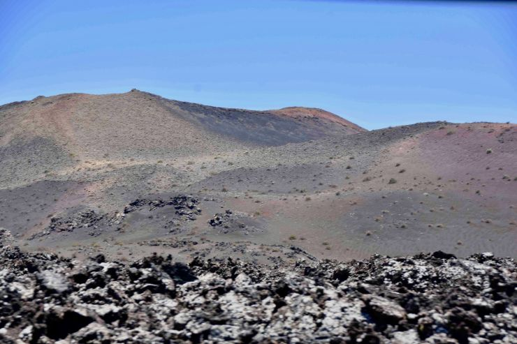 dramatic volcanic landscape in Lanzarote sightseeing tour