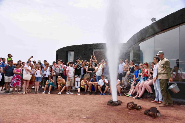 Steam generated when water poured in earth crack in Timanfaya