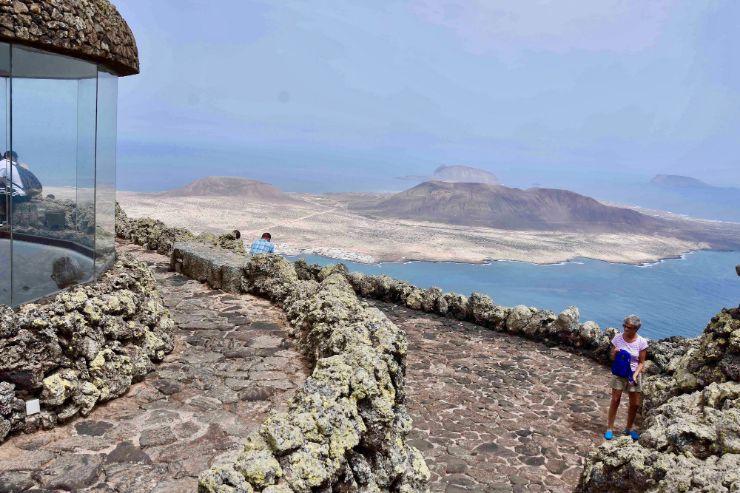 Mirador del Rio viewpoint in Lanzarote north bus tour