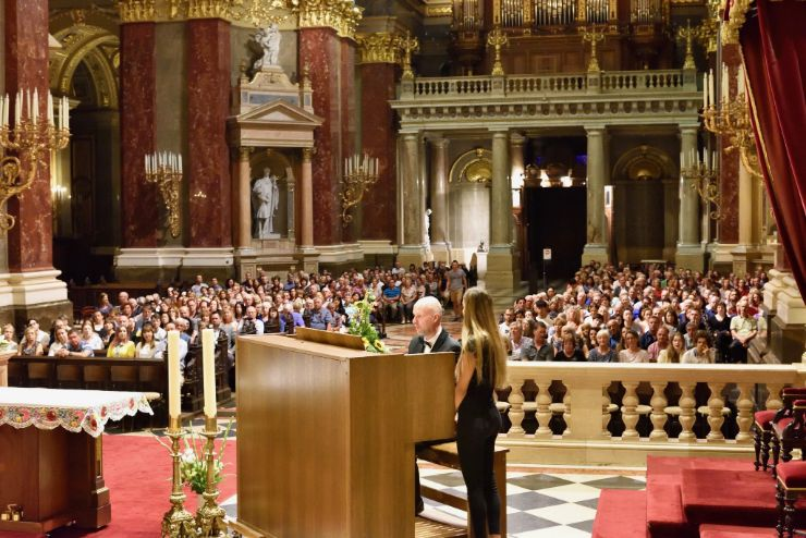 Organ concert in pristine Basilica in Budapest