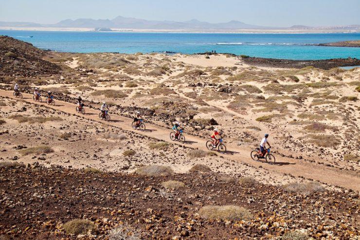 E-bike tour on Lobos island